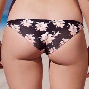 Acacia Waikoloa Bottom